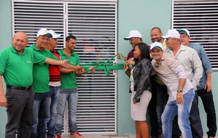 Sistema ASCOOB inaugura Ponto de Atendimento ao Cliente em Retirolândia.